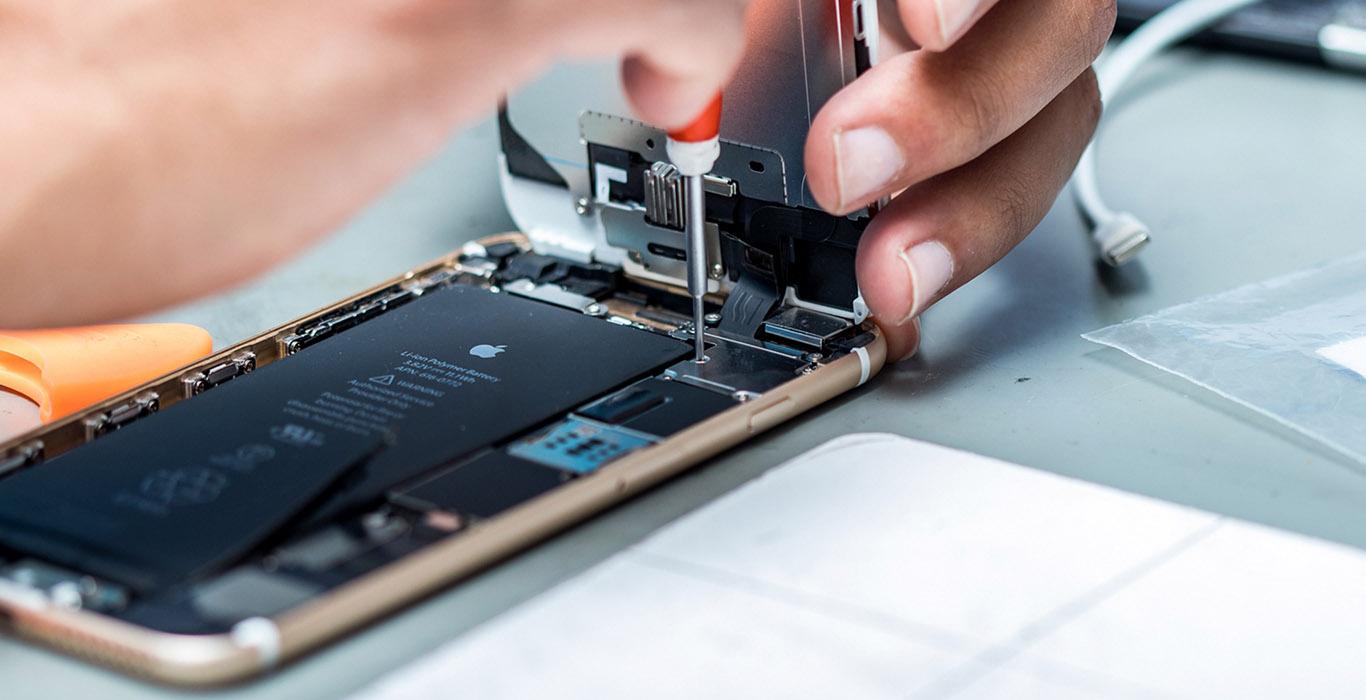 Apple объяснила высокую стоимость ремонта iPhone