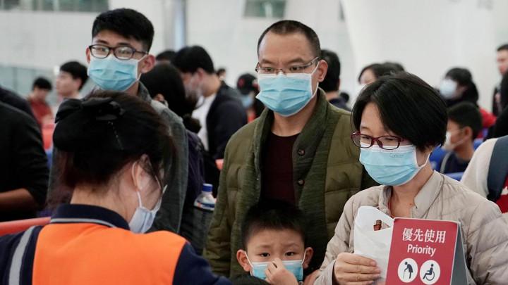 Huawei отложил запуск альтернативы Google Play из-за коронавируса