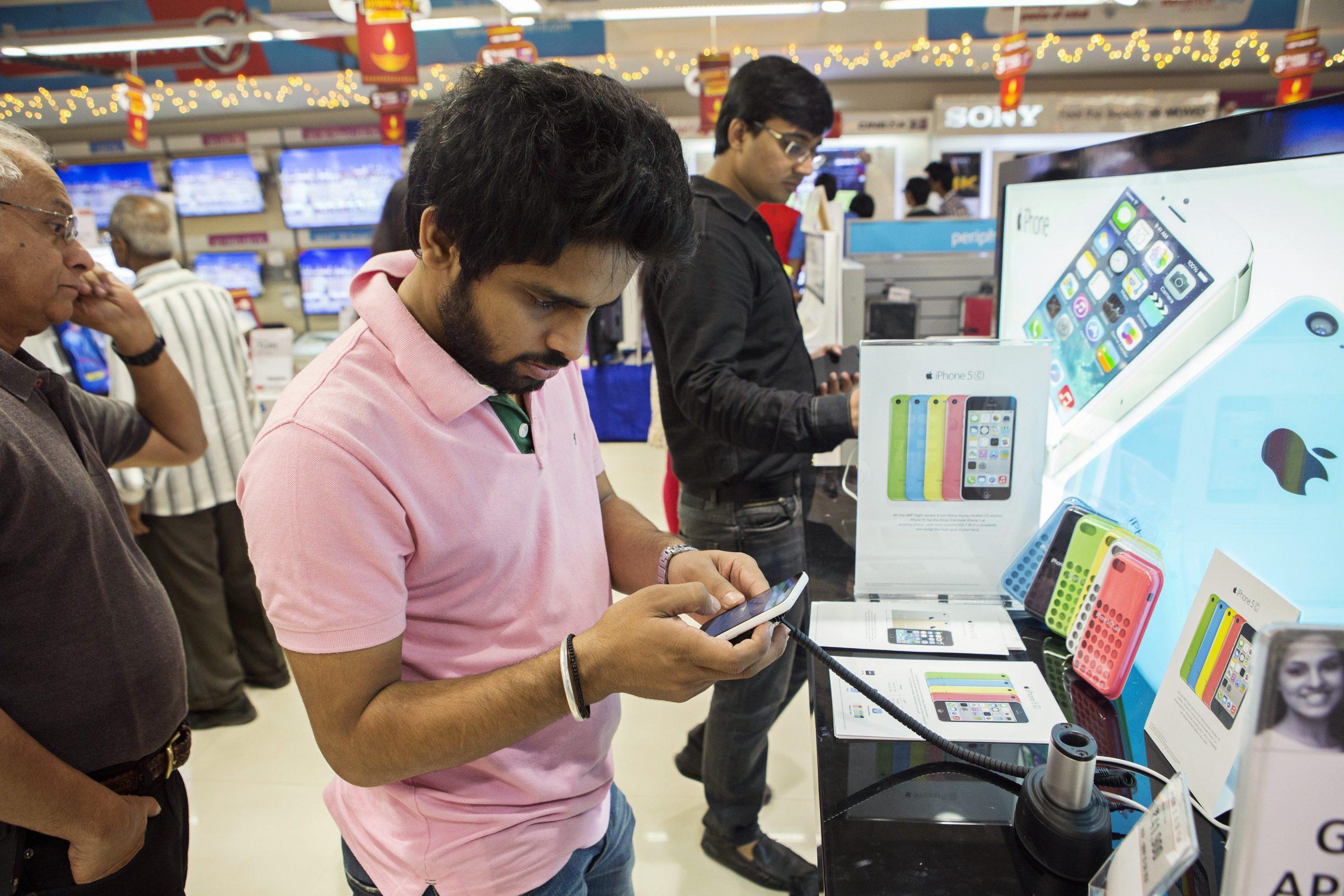 Индия стала вторым крупнейшим рынком смартфонов
