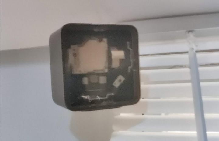 Камера OnePlus 8 Pro видит вещи насквозь